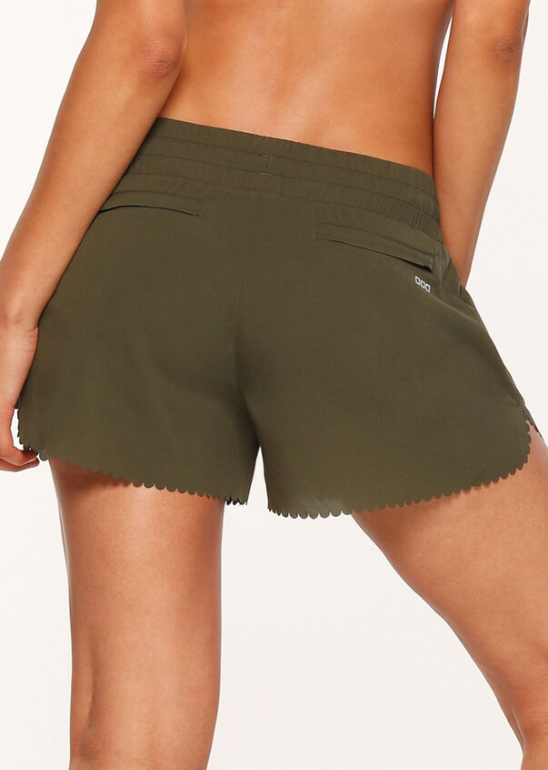 Breeze Lightweight Run Short, Luxury Green, hi-res
